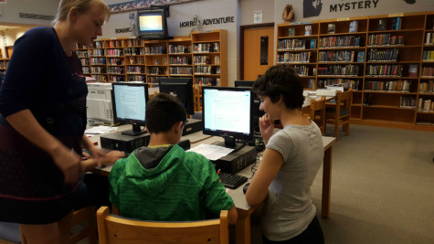 Writing Center Tutors Advise in the Middle School