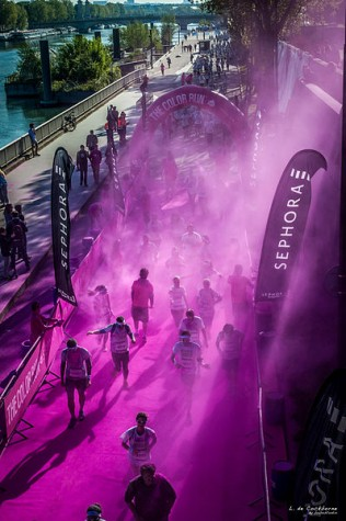 Participants will get sprayed with washable dye as they complete the course. Photo By bobostudio / Wikimedia