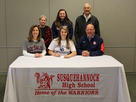 Julia DeLuca to Play Collegiate Field Hockey