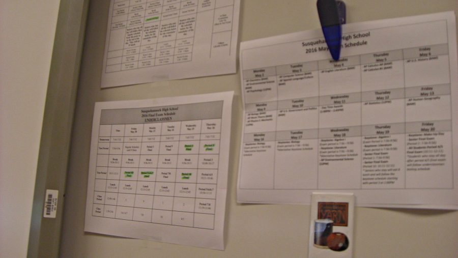 Many+teachers+have+a+finals+schedule+sheet+hanging+up+in+their+classroom.+Photo+by%3A+Ariel+Barbera