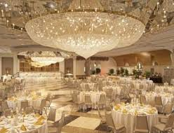 Prom's new venue hopes to satisfy students