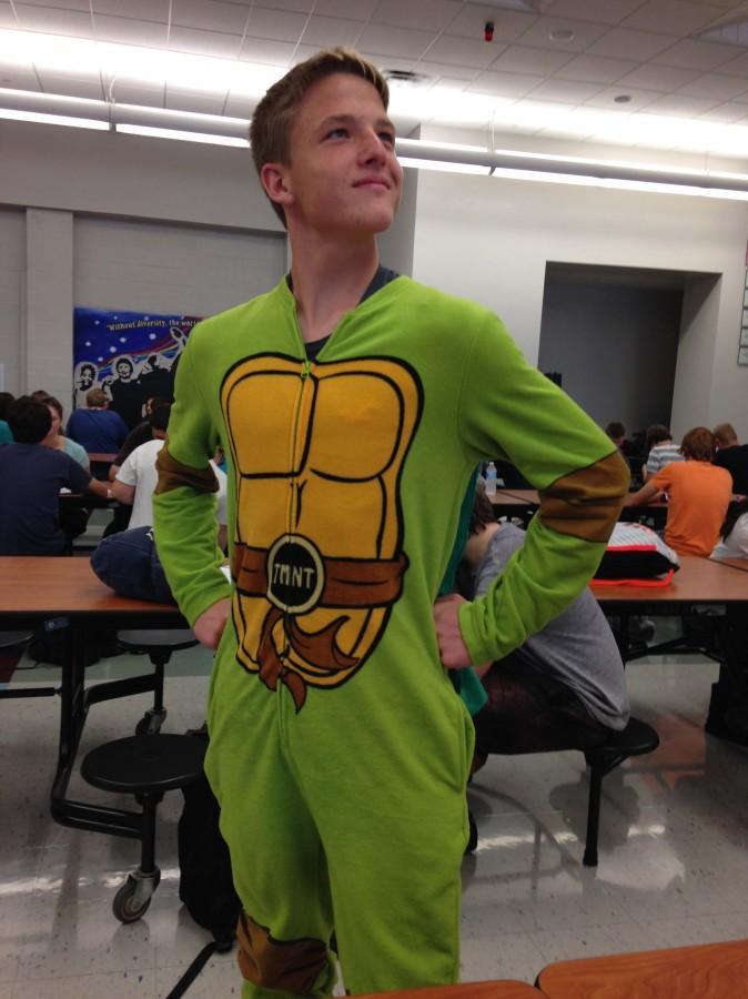 Sophomore Aaron Bilbie wears a ninja turtle suit proudly. Photo By: Grace Burns