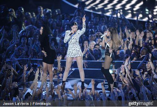 The VMAs open with a bang from Nicki Minaj, Jessie J and Ariana Grande.