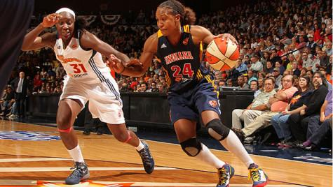 Catchings drives to the hoop. Photo By: Twon James (own work)
