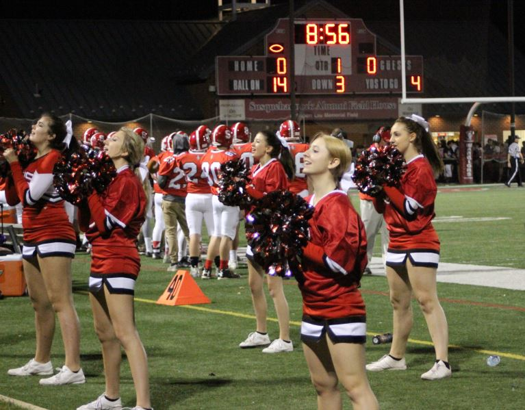 Over+three+minutes+into+the+first+quarter%2C+the+Warrior+football+players+and+cheerleaders+represented+their+school.+Photo+by+Karly+Matthews.