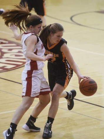 Taylor Tannura showing great defensive skills. Photo By; GameTimePa
