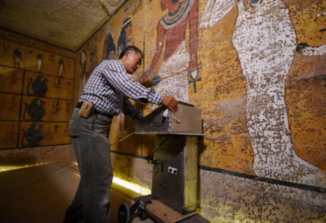 Photo by natgeowild.com showing the radar tests occurring in King Tut's grave.