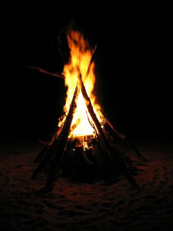 Having a bonfire is the perfect way to spend a fall night.