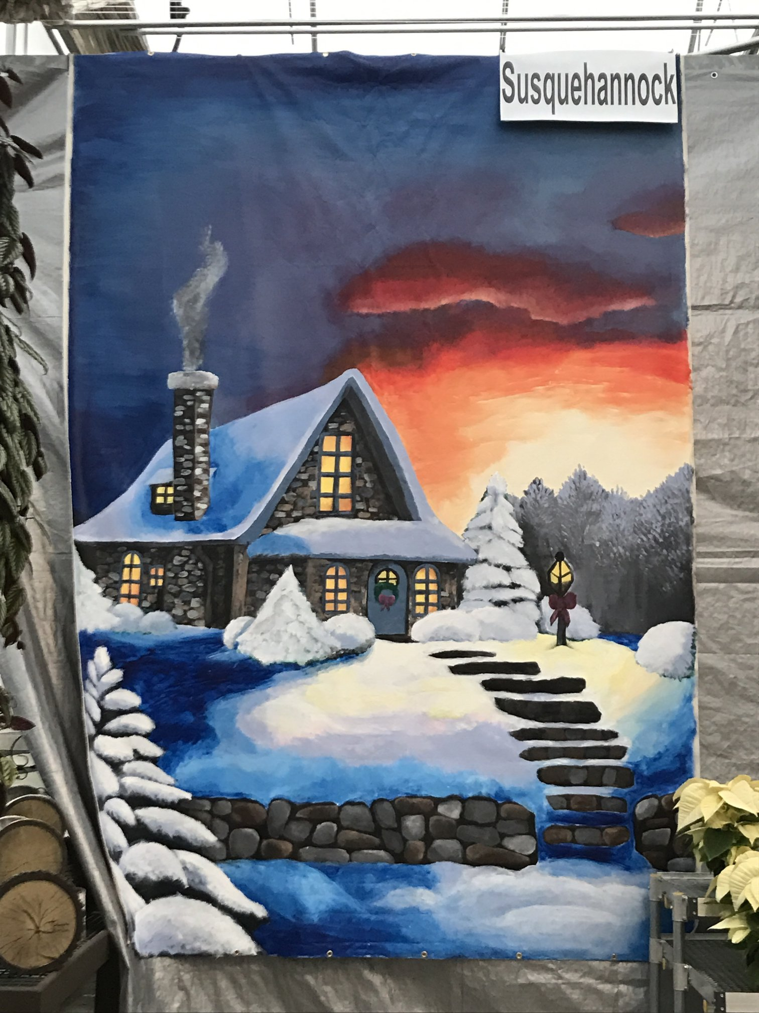 Juniors Stevie King and Sammi Patterson constructed a winter-themed mural to display in the art contest. Photo Courtesy: Stevie King