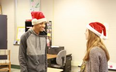 Susky Students Wear Holiday Headwear for Spirit Week