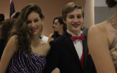 Students Participate in York Prom Show
