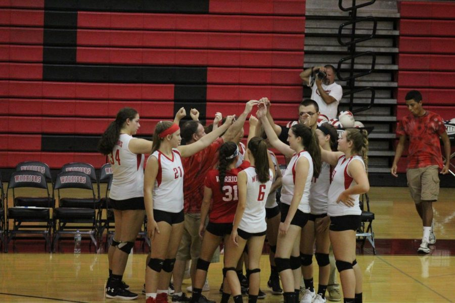 Girls Volleyball Stays Motivated, Despite Several Concussions