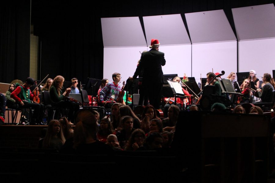 The+orchestra%2C+jazz+band+and+choir+started+preparing+for+the+concert+in+October.+