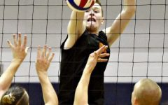 Boys Volleyball Sets into the New Season