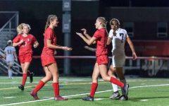 Girls Varsity Soccer Bonds Over Season