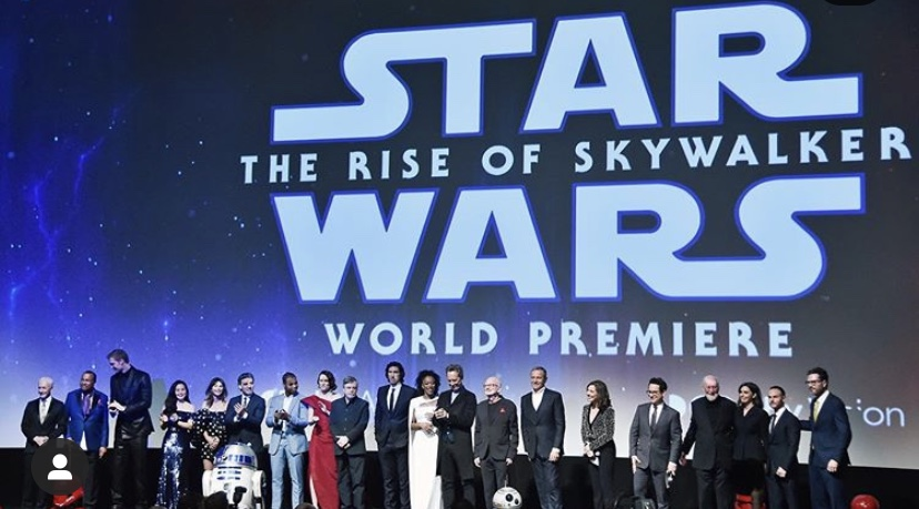 A picture of the whole cast at the Star Wars worldwide premiere.   Picture via @starwars on Instagram