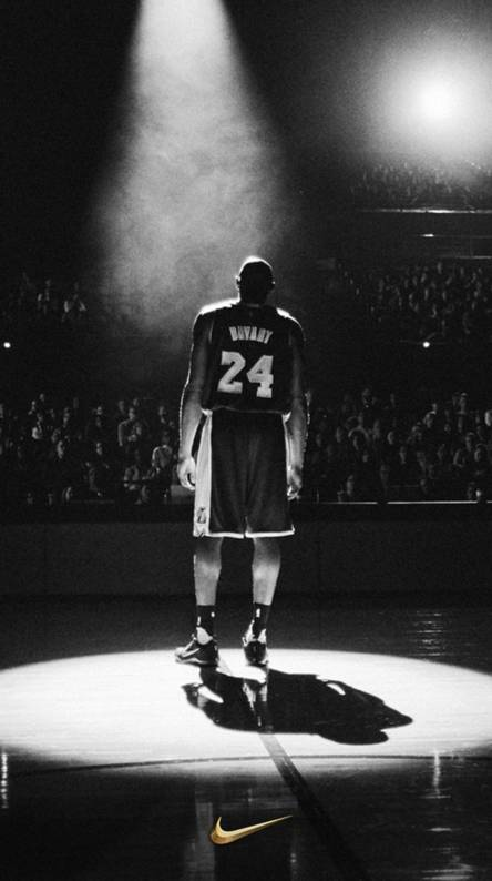 Kobe+Bryant+takes+the+spotlight+before+his+final+NBA+game.+Photograph+Courtesy+of+Zedge+via+zedge.com